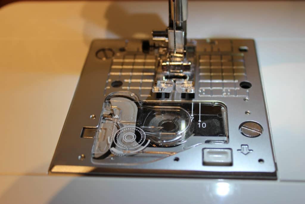 Juki-Naehmaschinentest-HZLG220-Greiferbereich