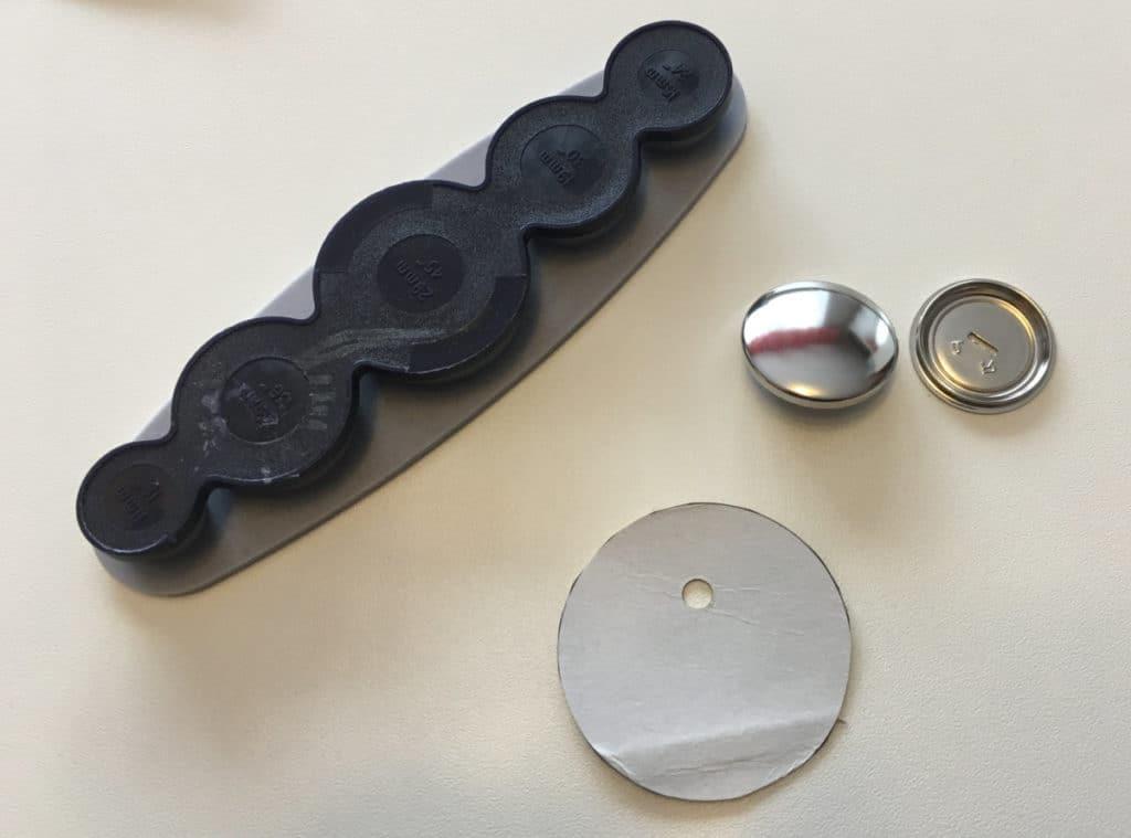 Werkzeug Knöpfe beziehen
