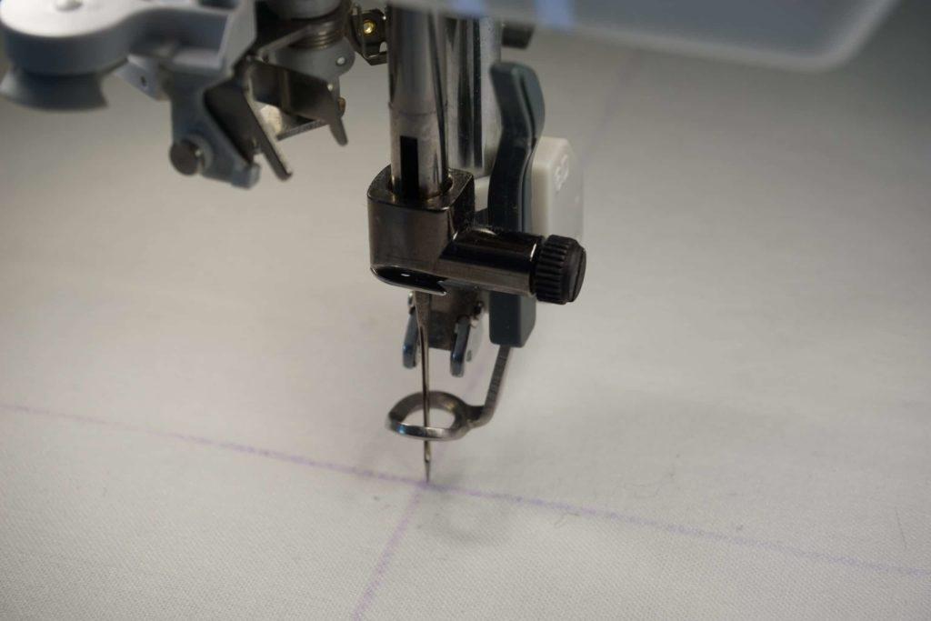 Nadel absenken Stickmaschine