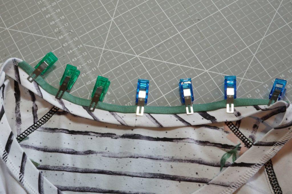 Taylor Seville Stoffklammern am Streifen von rechts