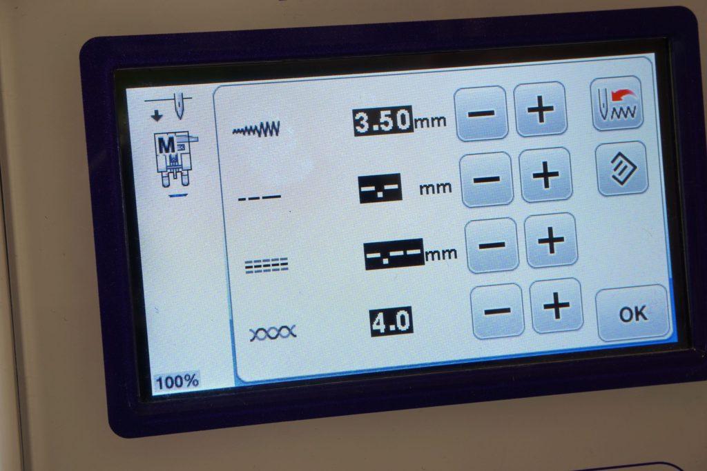 Nähmaschine Display Knopfannähfuß Einstellungen