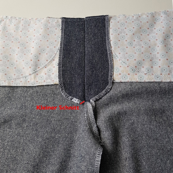 Besätze auseinandergebügelt Jeans