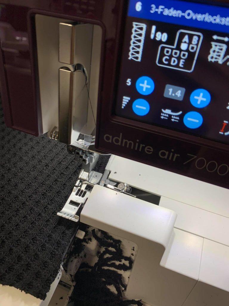 Pfaff Admire Air 7000 Overlocken