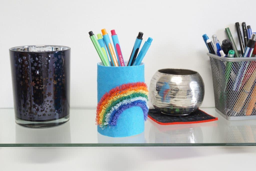 Stiftebecher Regenbogen Fransenstich